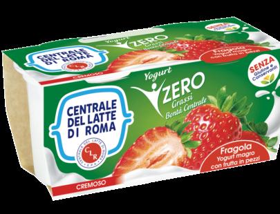 Yogurt cremoso magro alla fragola con frutta in pezzi Centrale Del Latte Di Roma